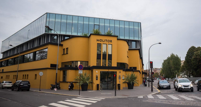 Under the wave molitor hotel paris france kan dmv for Hotel france